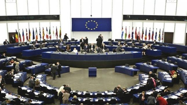 إصدار قرار غير ملزم بتعليق مفاوضات إنضمام تركيا إلى الإتحاد الأوروبي