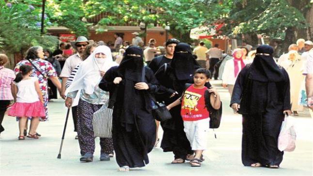 السياح العرب يتوافدون على تركيا مع أول أيام عيد الفطر المبارك