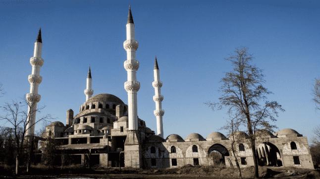 إنهاء بناء أكبر مسجد في آسيا الوسطى من طرف وقف الديانة التركي