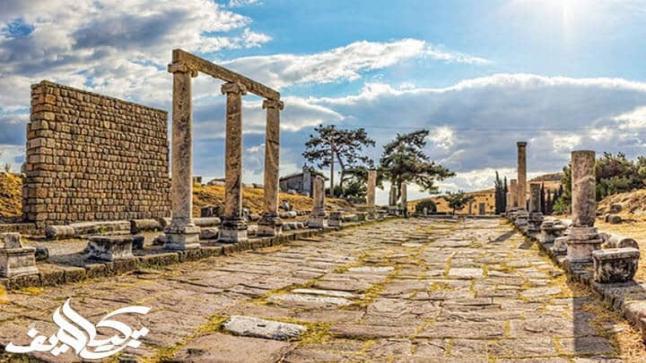 السياحة في مدينة بيرغامون الاثرية في تركيا Pergamon