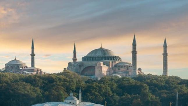 وزارة الخارجية التركية تستنكر في بيان لها تصريحات اليونان حول رفع الأذان في آيا صوفيا