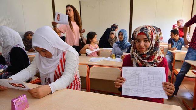 إصدار قرار إلزامي للأسر السورية من وزارة التعليم الوطنية التركية