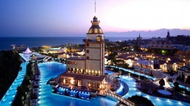إرتفاع نسبة السياح الأجانب القادمين إلى تركيا بنحو 16.27 بالمئة مقارنة بالعام الماضي